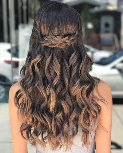 Wavy Hair With Braided Crown
