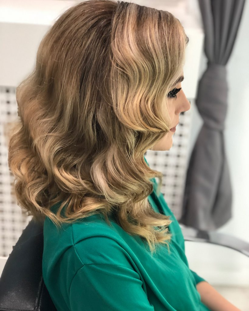 Retro Style Curls for Long Wavy Blonde Hair