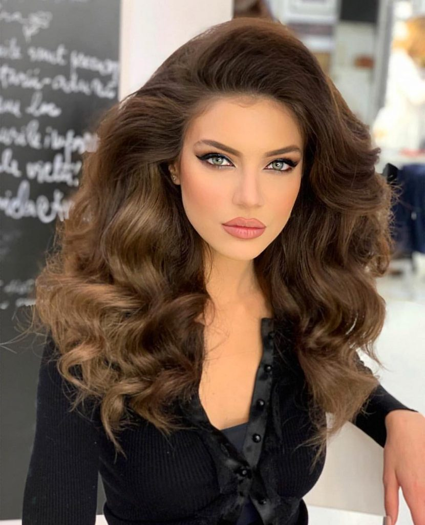 Thick Layered Half-Curled Hair with Amazing volume