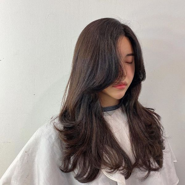 Wavy Long Layers for Straight Hair with Long Bangs