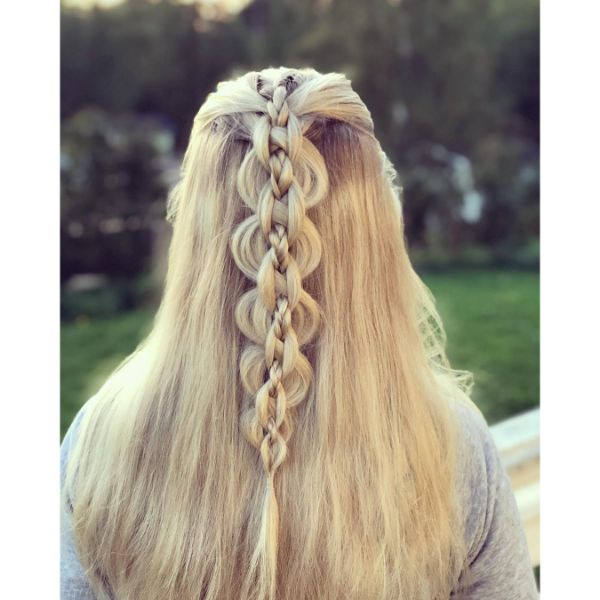 Chain- Patterned Braid for Long Hair