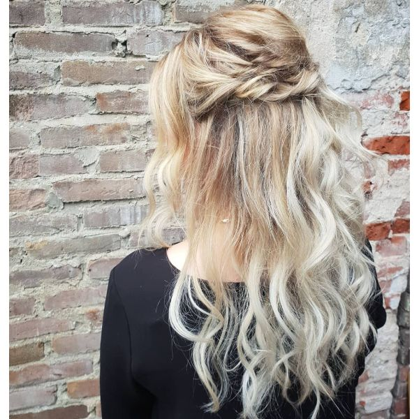 Half Up Half Down Hairstyle for Blonde Wavy Layered Hair with Bangs