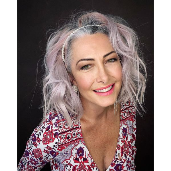 Messy Beach Waves Long Hairstyle for Older Women