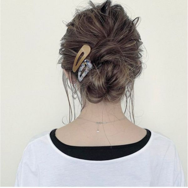 Messy Bun with 90's Hairpins for Long Hair