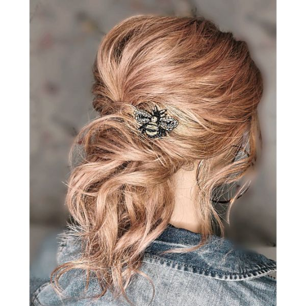 Messy Summer Ponytail for Long Blonde Hair