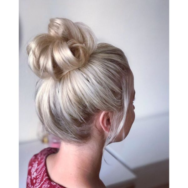 Simple Messy Bun with Falling Front Pieces