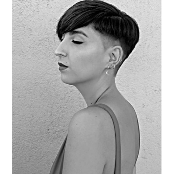 Disconnected Pixie Cut Hairstyle For Damaged Hair