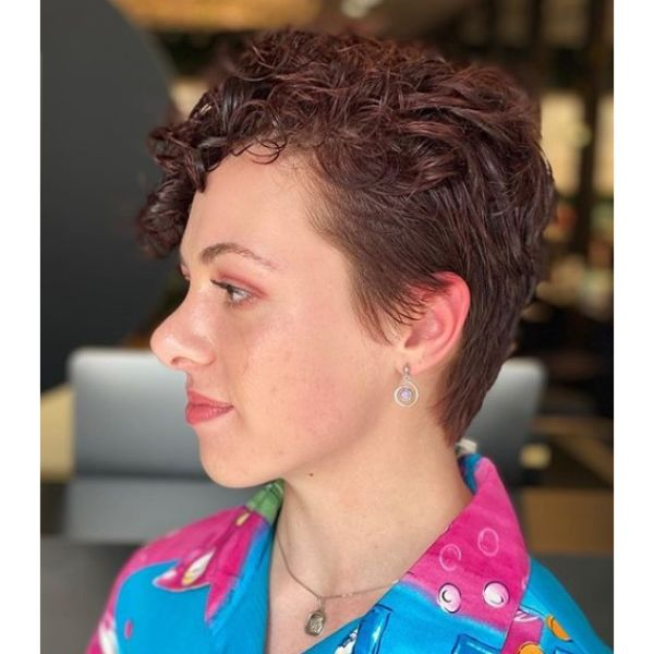 Short Taper Cut Hairstyle for Red Damaged Hair
