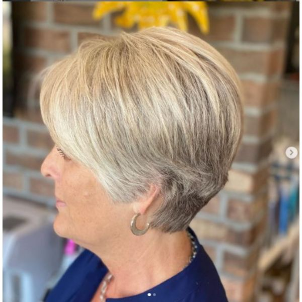 Soft Textured Bob With Highlights Hairstyles For Women Over 60