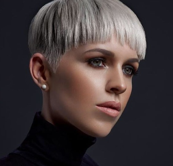 Ashy Platinum Blonde Short Haircuts For Women
