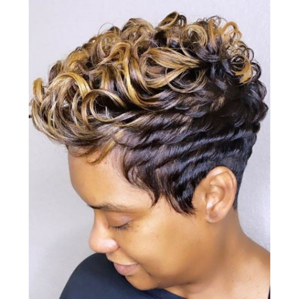 Fun Shiny Pixie Short Haircuts For Women