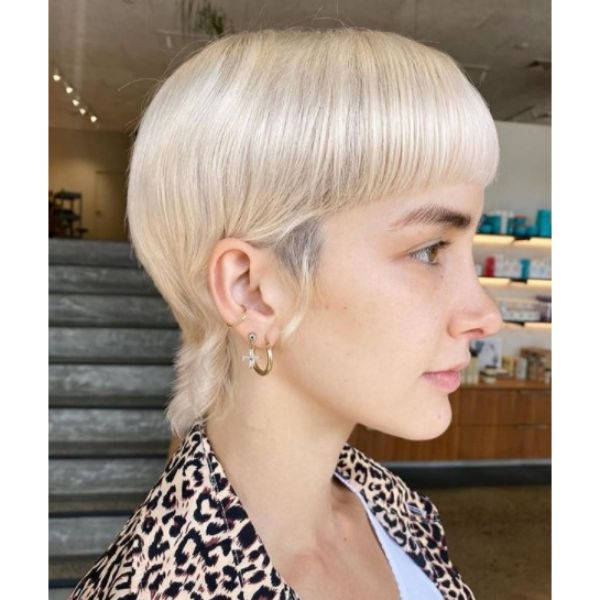 Mullet Bowl-cut For Platinum Blonde Haircuts For Women