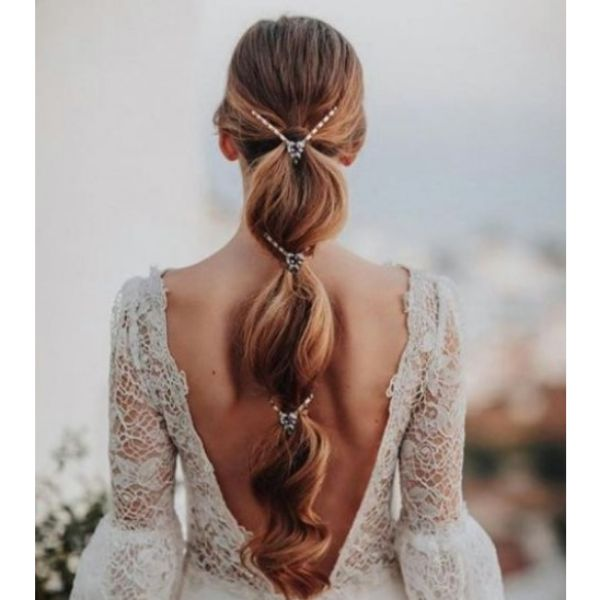 Bubble Ponnytail With Diamond Hairstyle