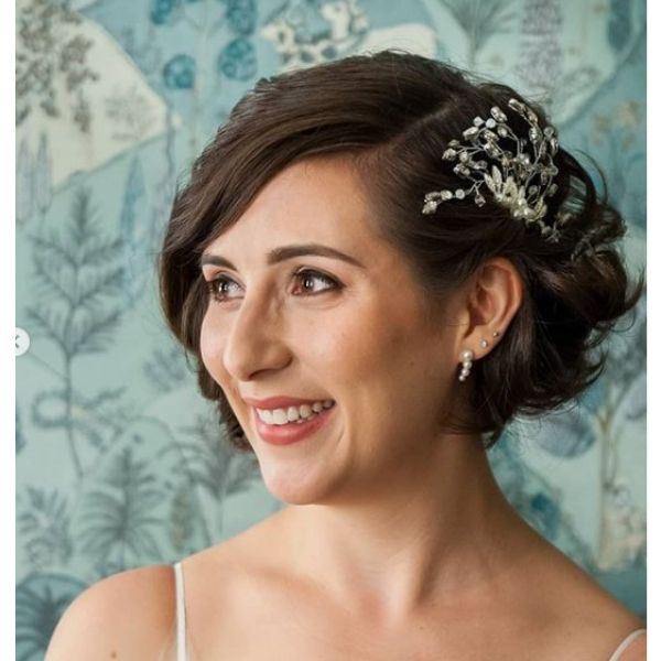 Classic Short Hairstyle with HeadPiece