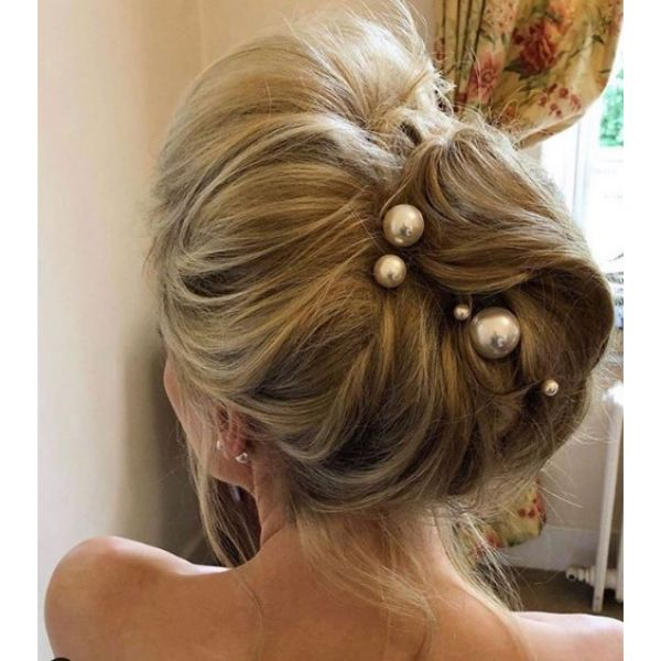 Fabulous Updo with Big Pearl Pins bridal hairstyles