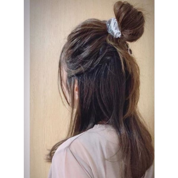 Half Up-do with Round Hair Accesory
