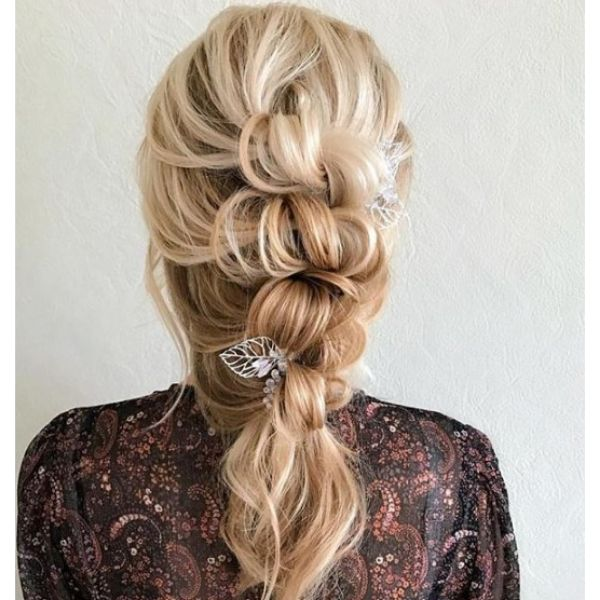 Messy Pullthrouh Hairstyle bridal hairstyles