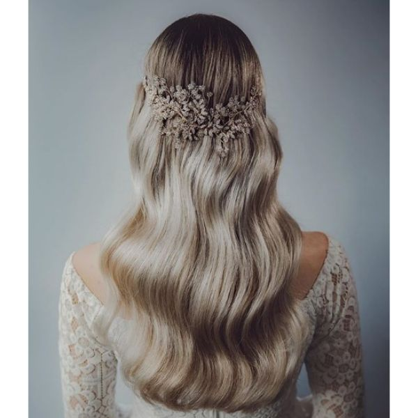 Polished Waves For Blonde Hairstyle Bridal Hairstyles
