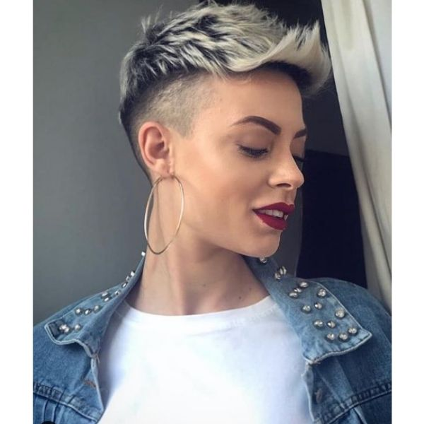 Short Blonde Undercut With Razor Fade