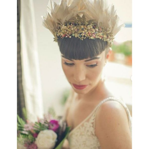 Short Hair with Massive Feathered Crown