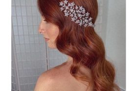 Wavy Long Red Hairdo with Hair Piece