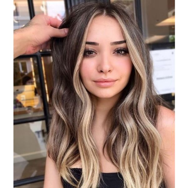 Blonde Highlights For Long Wavy Haircut For Women