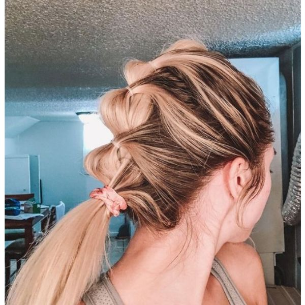 Bubble Ponytail With Balayage Hairstyle For Teenage Girls