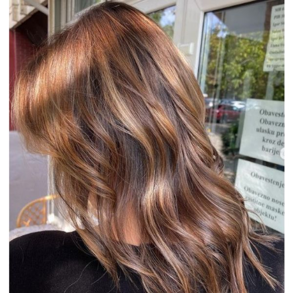 Long V-shaped Hairstyle with Blonde Balayage for Wavy Hair