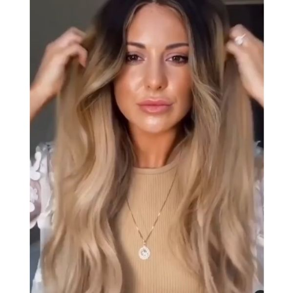 Ultra-long Soft Layered Hairstyle with Dark Roots
