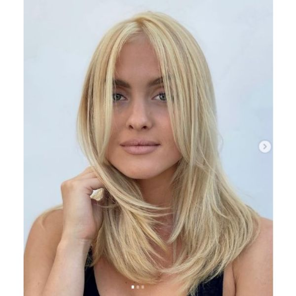 Beach Blonde Thin Hair With Layers Hairstyle