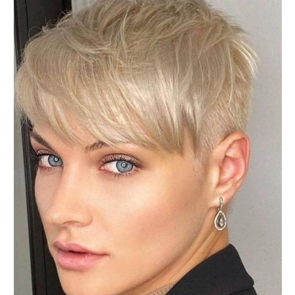 Blonde Hairstyle With Razor Sides