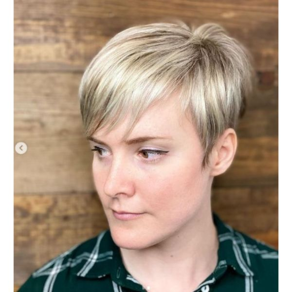 Bright Blonde Pixie Hairstyle For Thin Hair
