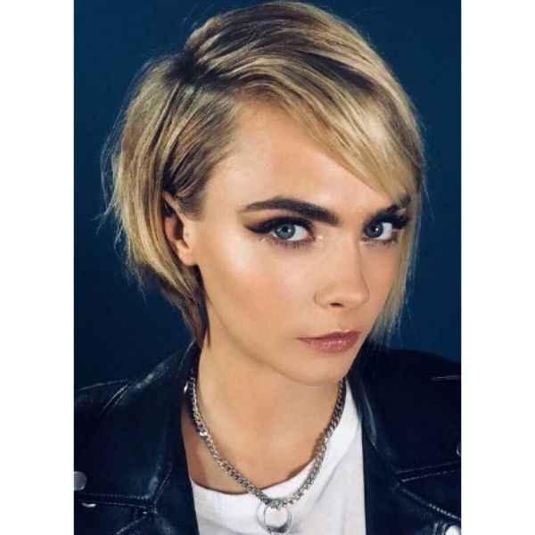 Cara Delevigne's Short Textured Bob For Blonde Hair