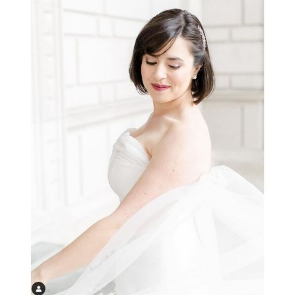 Chic Bob Wedding Hairstyle With Side Piece