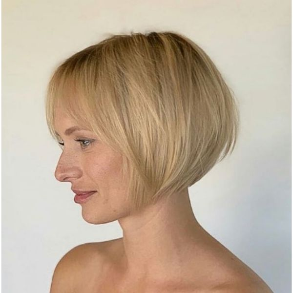 Chin-Length Bob For Blonde Hair With Sublte Layers