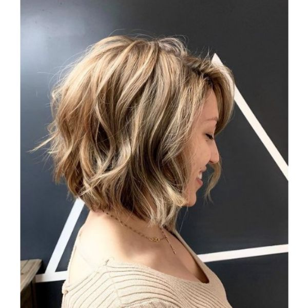 Full Wavy Bob With Blonde Highlights