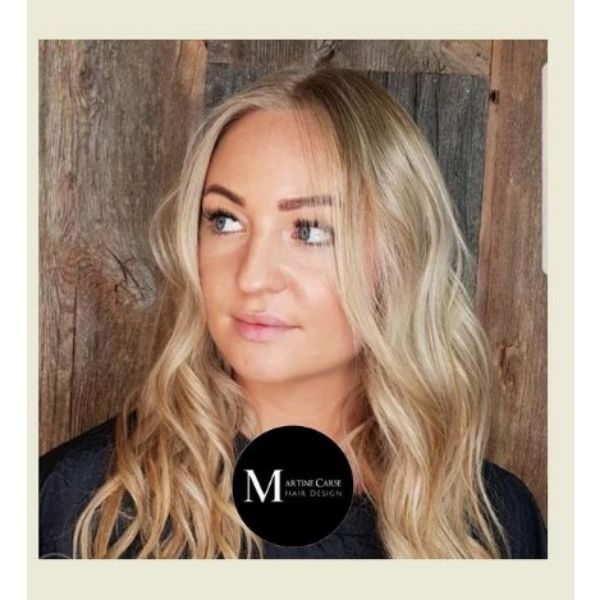 Golden Blonde Long Wavy Hairstyle With Long Bangs For Blonde Hair