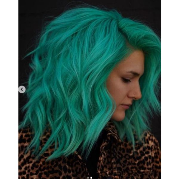 Green Teal Medium Haircut For Wavy Hair