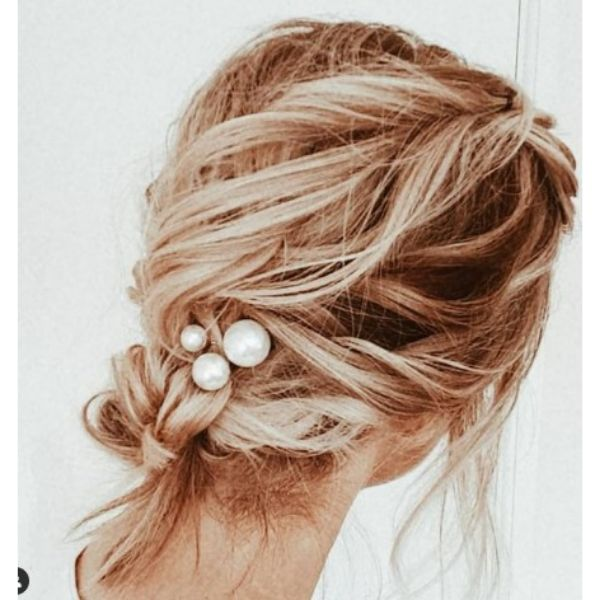 Messy Textured Low Bun With Pearl Hair Pin For Blonde Medium Hair