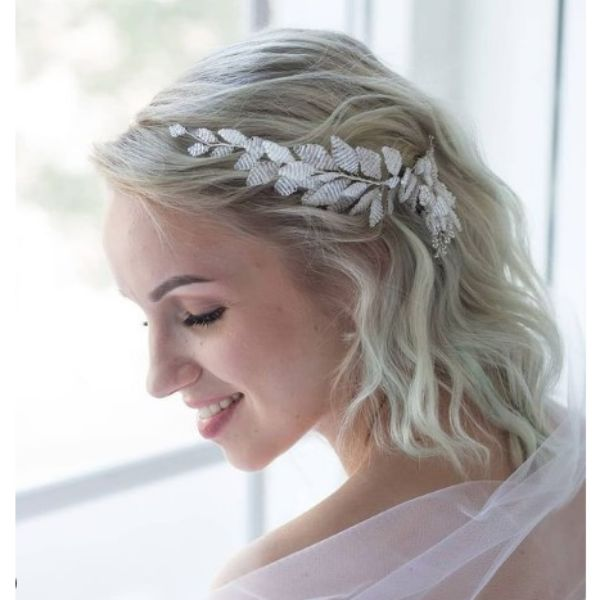 Messy Wedding Hairstyle For Medium Hair With Silver Piece