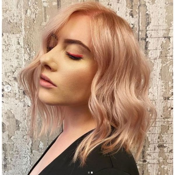 Powdered Rose Blonde Thin Hair With Loose Waves