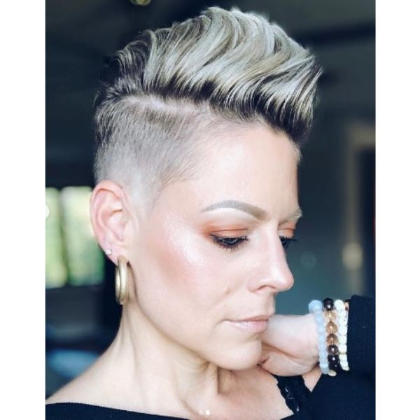 Short Faux Hawk For Thin Hair With Undercut