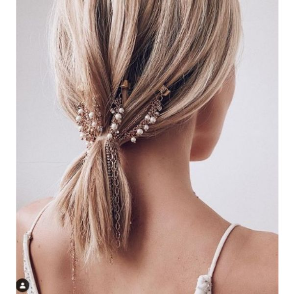 Small Ponytail With Golden Pieces