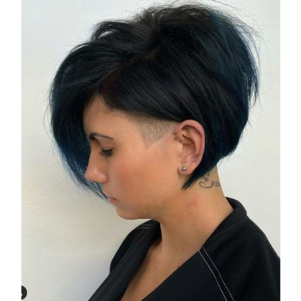 Straight Bob Hairstyle For Oval Face With Dark Colored Strands