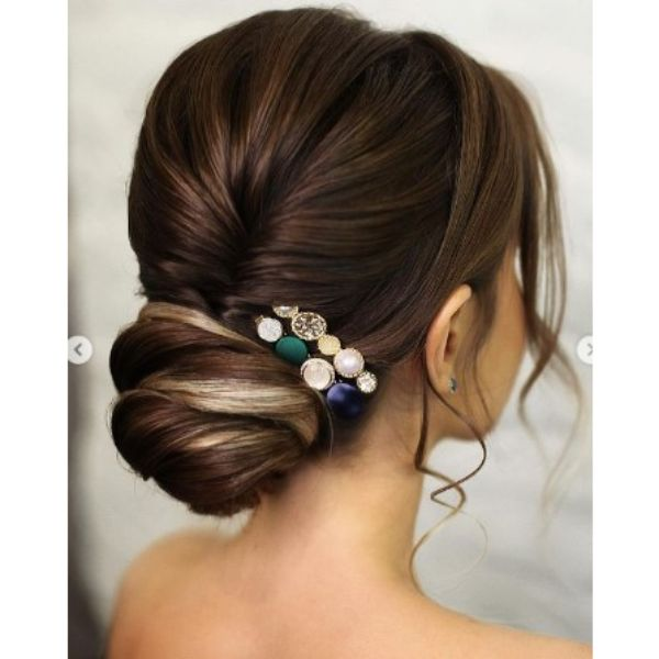 Two-colored Sleek Bun With Colorful Hair Pins