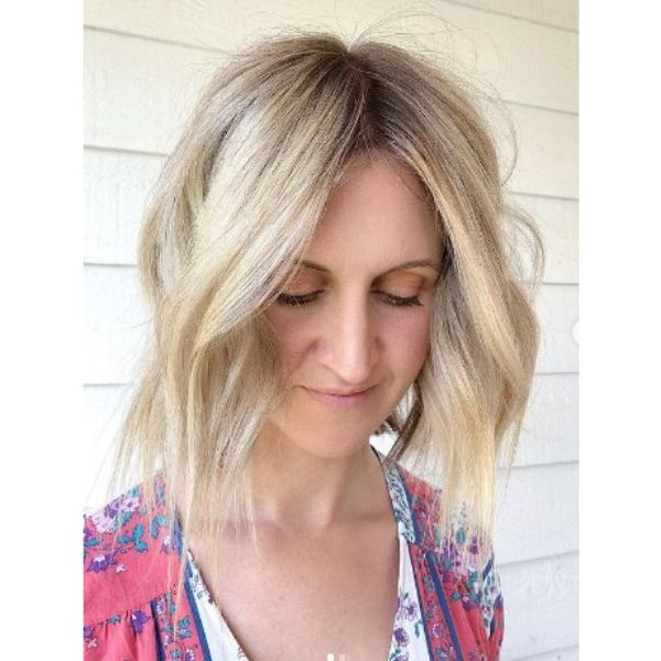 Wavy Chopped Bob Hairstyle For Bright Blonde Hair