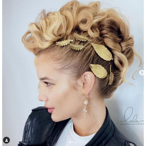 Wedding Hairstyles For Short Pixie Haircut With Chiselled Strands
