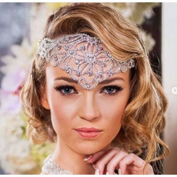 Retro Wedding Hairstyle For Short Curly Hair With Gasby Inspiration