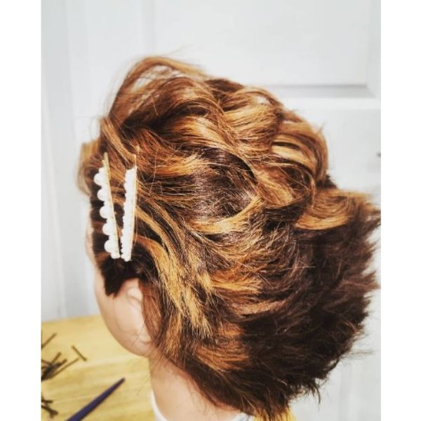 Sassy Wedding Hairstyle For Short Hair With Head Sliders