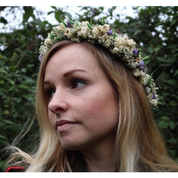 Short Bob With Dried Flowers Crown Wedding Hairstyle